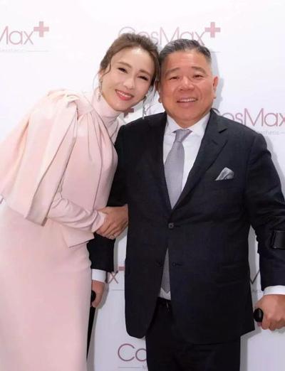 Vợ chồng Lê Tư tại sự kiện năm 2018.
