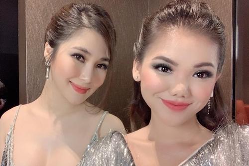 Minh Như (phải) bên Hương Tràm khi đi show chung tại Mỹ gần đây.