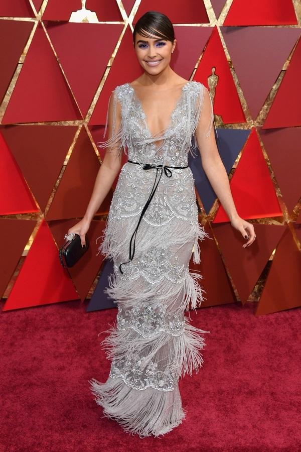 Váy áo tôn đường cong của mỹ nhân gợi cảm nhất thế giới