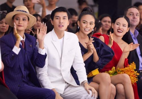 Từ trái sang: các huấn luyện viên Hương Ly, Quang Đại, Mâu Thủy và Tuyết Lan.