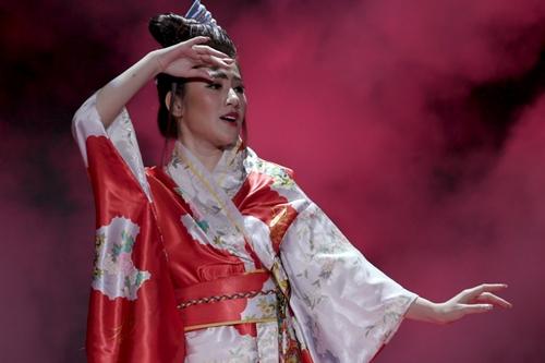 Tạo hình thiếu nữ Nhật của Bolero trong một video.