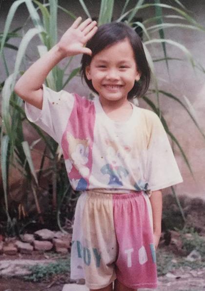 Bảo Thanh sinh năm 1990 ở Bắc Giang, trong gia đình có bố mẹ là diễn viên tuồng. Diễn viên chia sẻ hồi ba, bốntuổi, cô rất nghịch ngợm, quần áo lúc nào cũng lấm lem, tóc ngắn lưa thưa vì bị mẹ cắt cho gọn.