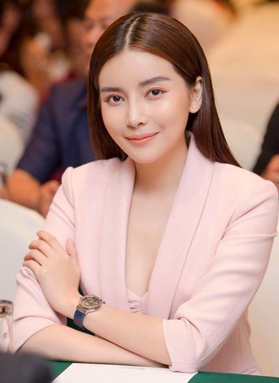 Cao Thái Hà tại buổi ra mắt phim Bão ngầm ở HàNooijj.