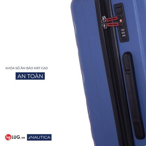 Nautica trang bị khóa số âm có tính thẩm mỹ cao và bảo mật tốt.