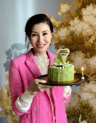 Hoa hậu Lý Gia Hân đón sinh nhật bên chồng đại gia - 4