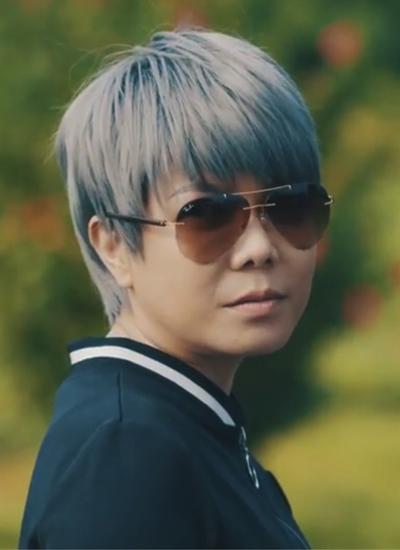 Tạo hình của Việt Hương trong web drama.