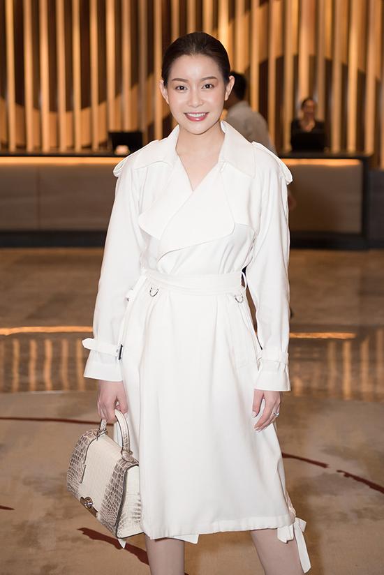 Hoa hậu Hải Dương diện set đồ triệu USD đi sự kiện