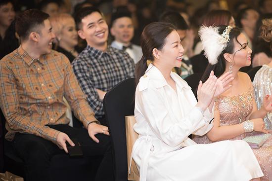 Bà xã của doanh nhân Kim Duck Ho tiết lộ mình chuẩn bị khai trương công ty du lịch kinh doanh về du thuyền hạng sang tại thành phố biển Nha Trang. Ngoài ra, một dự án khác cô đang theo đuổi trong nửa cuối 2019 là hệ thống trường mầm non quốc tế trên toàn quốc.