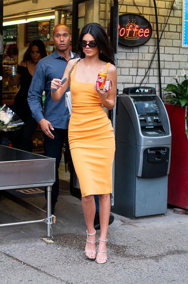 Các kiểu phối đồ mùa nóng của Kendall Jenner