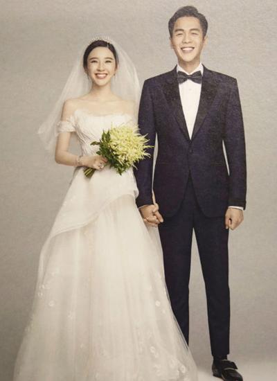 Ảnh cưới của Đường Nghệ Hân - Trương Nhược Quân. Ảnh: Sina.