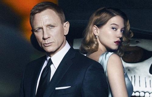 Léa Seydoux (phải) là nữ chính hiếm hoi đóng hai tập James Bond.