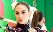 Võ Hoàng Yến thử váy cho show thời trang của Vũ Ngọc và Son