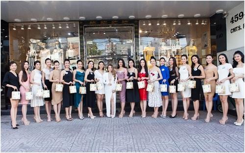 Với sự đồng hành của thương hiệu mỹ phẩm YHL cùng sự hướng dẫn tận tình từ Cố vấn sắc đẹp Hằng Lê, các thí sinh sẽ ngày càng hoàn thiện bản thân mình để tự tin tỏa sáng trên hành trình chạm đến chiếc vương miện danh giá của Miss World Vietnam 2019.