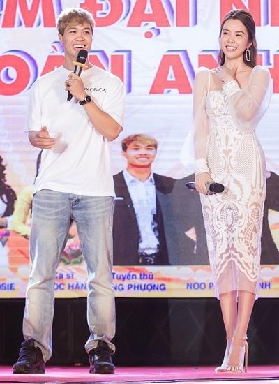 Huỳnh Vy, Công Phượng gặp gỡ trong sự kiện giao lưu với sinh viên Đồng Nai.