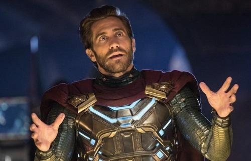 Jake Gyllenhaal được đa phần các cây bút khen ngợi trong Far From Home. Ảnh: Sony.