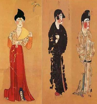 Phụ nữ cổ đại tô trán vàng, vẽ hoa văn trên trán. Ảnh: Ettoday.