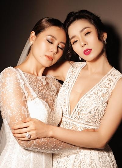 Lệ Quyên (phải) bên Nam Thư trong dự án phim về người thứ ba.