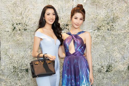 Á hậu Thúy Vân và Diễm My 9x.