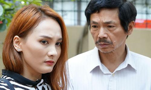 Bảo Thanh (trái) và Nghệ sĩ Ưu tú Trung Anh thể hiện diễn xuất chân thực từ đầu phim. Ở nửa sau tác phẩm, nhân vật Thư của Bảo Thanh trải qua nhiều đau khổ.