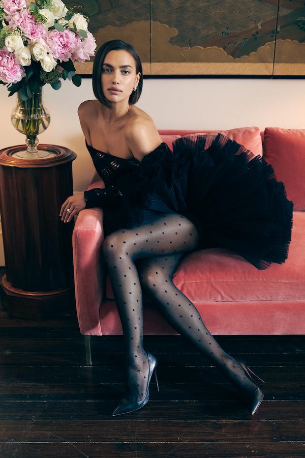 Irina Shayk ngực trần chụp ảnh tạp chí