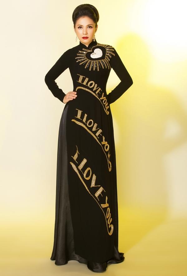 Việt Trinh làm mẫu áo dài