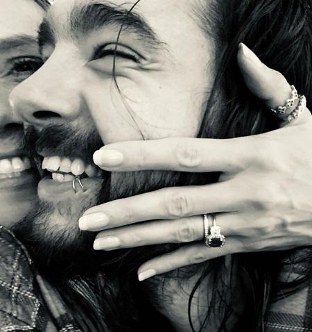 Ảnh Klum công bố chuyện đính hôn trên Instagram.