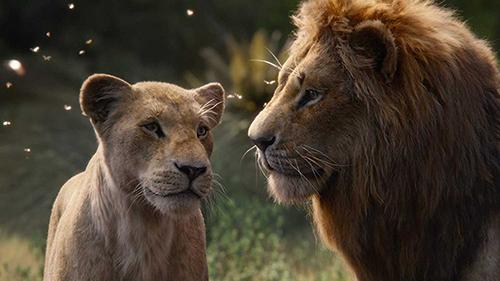 Simba (phải) và Nala trong phim.