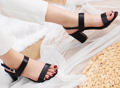 Giày nữ, giày cao gót block heels Erosska thời trang đơn giản tính tế - EM003 (màu đen)