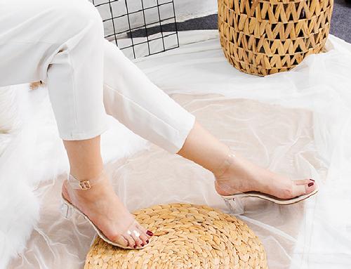 Giày nữ, giày cao gót block heel quai trong Erosska đế vuông cao 5cm - EM010 (màu đen)