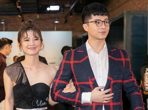 Harry Lu (phải) và Oanh Kiều ở buổi ra mắt phim tại TP HCM, ngày 11/7. Anh chia sẻ từng lo lắng về biểu cảm mặtkhi được mời đóng phim sau tai nạn. Harry nhận lời mời trong thời gian ở Đài Loan điều trị phục hồi.