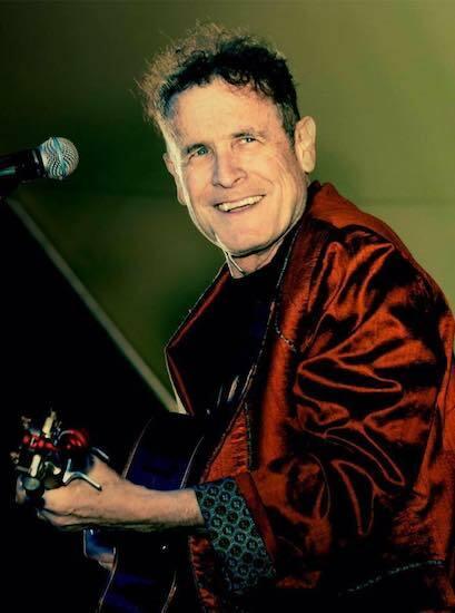Johnny Clegg biểu diễn khi còn sống. Ảnh: Pitchfork.