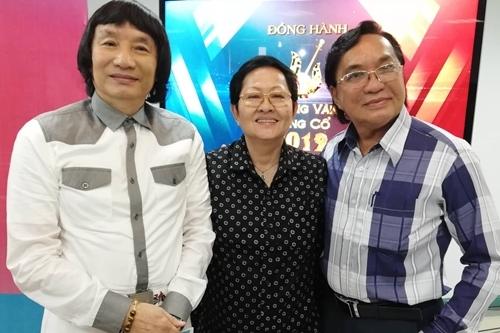 Từ trái qua: NSƯT Minh Vương, Hoa Hạ, Thanh Tuấn - giám khảo hội đồng chuyên môn.