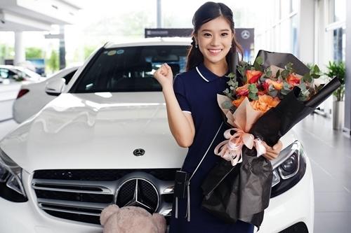 Hoàng Yến kể hiện cô vẫn phải trả góp khi mua xe, nhà.