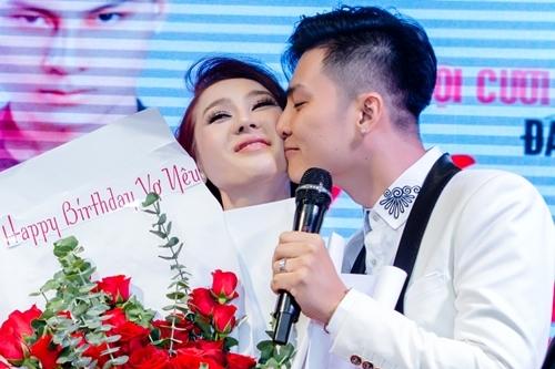Chồng Lâm Khánh Chi mừng sinh nhật tuổi 42 của vợ.