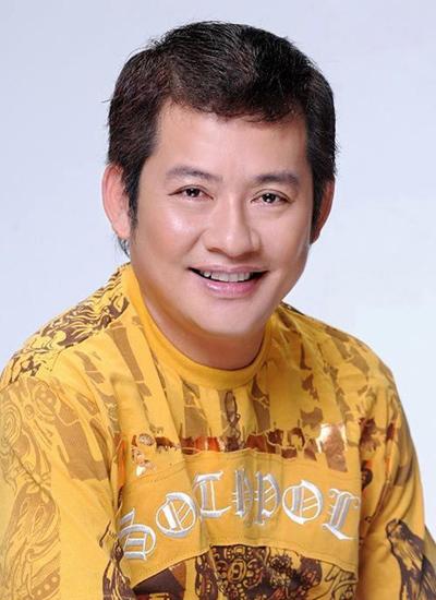 Nghệ sĩ hài Tấn Beo làm giám khảo cuộc thi tìm kiếm tài năng ca cổ.