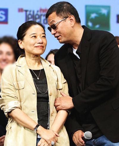 Vợ chồng Vương Gia Vệ, Trần Dĩ Cận. Ảnh: Ifeng.
