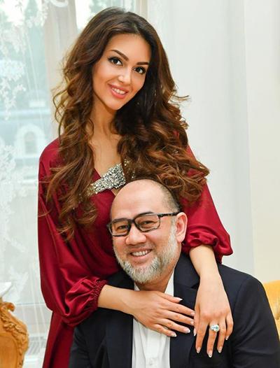 Người đẹp Nga đang gây chú ý khi ly hôn Quốc vương Muhammad V sau một năm kết hôn.