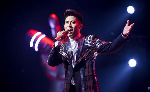 Đức Thịnh trong đêm chung kết The Voice.