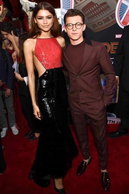 Bộ đôi diễn viên chính Tom Holland (phải) và Zendaya ở buổi ra mắt phim tại Mỹ. Ảnh: Shutterstock.