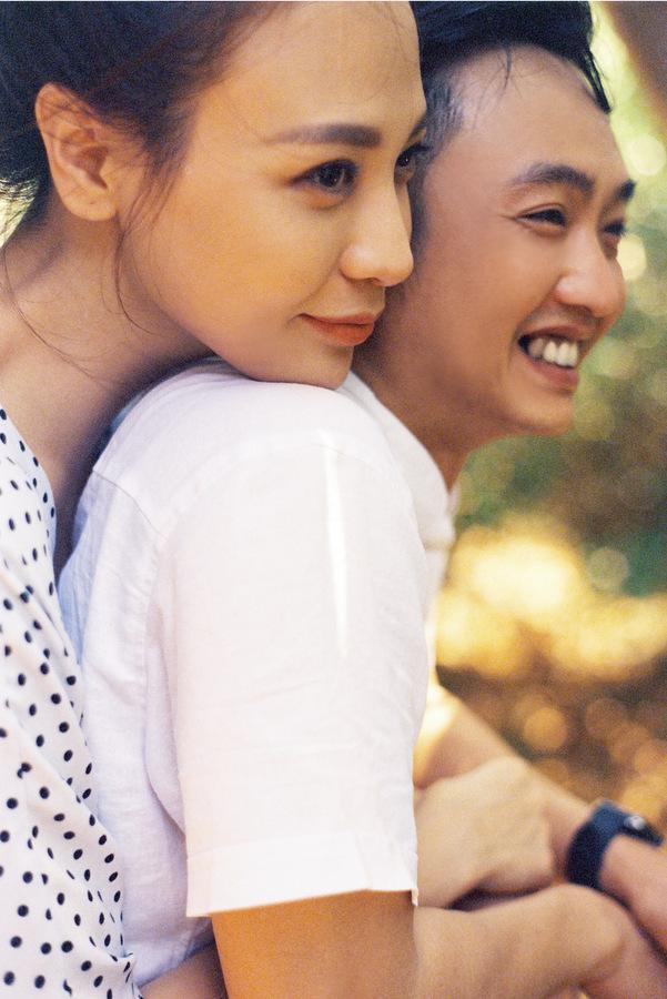 Cường Đôla, Đàm Thu Trang tung ảnh cưới phong cách đời thường