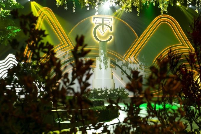 Không gian cưới ngập sắc xanh của Đàm Thu Trang - Cường Đôla