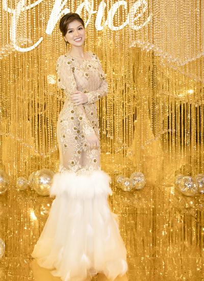 Chồng Hồ Hạnh Nhi dự sự kiện của hoa hậu Thu Hoài - page 2 - 2