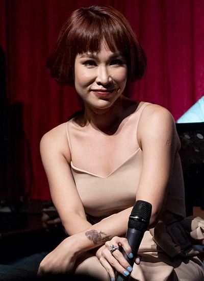 Uyên Linh: Tôi không buồn khi bị chê ít nổi tiếng