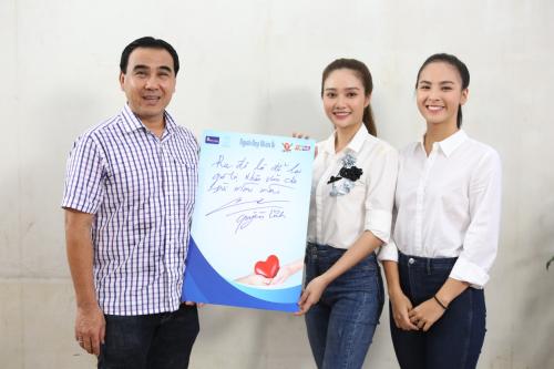 Quyền Linh cùng 5 thí sinh Miss World Vietnam đăng ký hiến tạng - 4