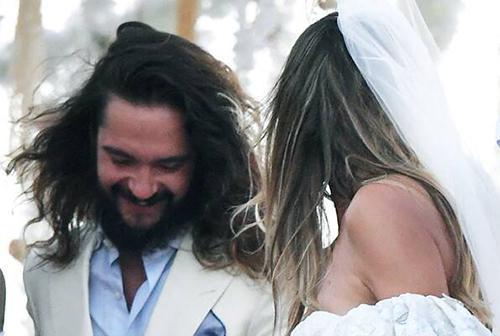 Tom Kaulitz bên vợ.