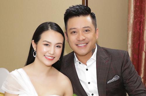Tuấn Hưng và vợ - Thu Hương.