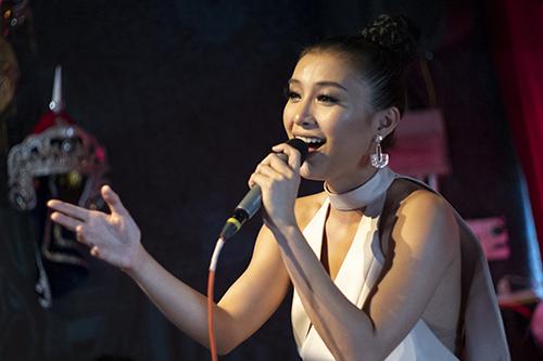 Ca sĩ Tiêu Châu Như Quỳnh.