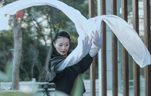 Tuổi xế chiều, Lý Tái Phụng theo đuổi đam mê nhảy múa. Cô mở một trường vũ đạo ở Hong Kong.