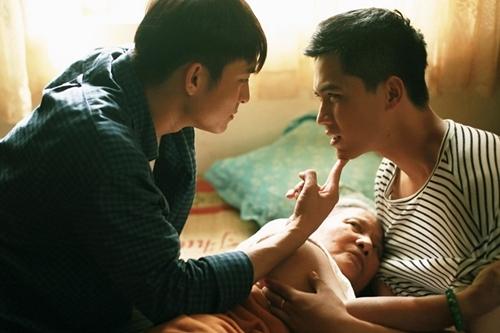 Lãnh Thanh (trái)- vai Văn và Gia Huy - vai Ian - trong phim.