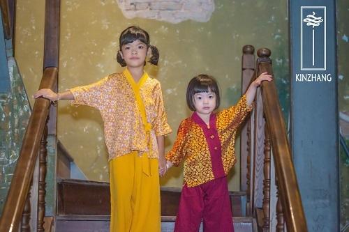 Mai KinZhang cũng đem tới nhiềumẫu pháp phục dành cho trẻ em.